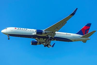 Delta Air Lines Boeing 767-332(ER) N187DN 8-12-18