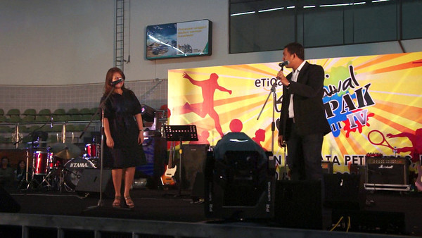 KGIV 2011 - 02 - Karaoke One - Rumah Hijau