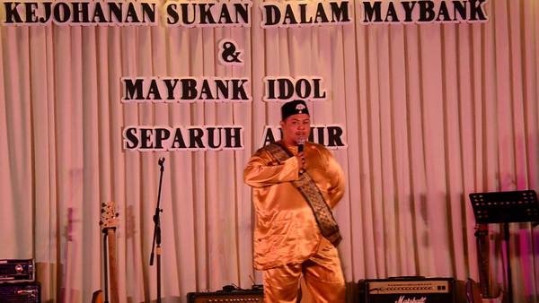 Bob @ Maybank Idol 2012 Semi Final at Vistana Penang...