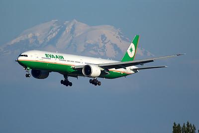 Eva Air Boeing 777-35EER B-16709 6-22-15