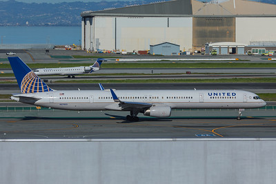 United Airlines Boeing 757-324 N57855 2-4-18