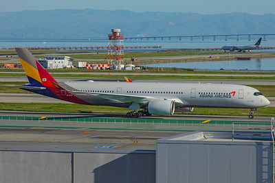Asiana Airlines Airbus A350-941 HL7579 2-4-18