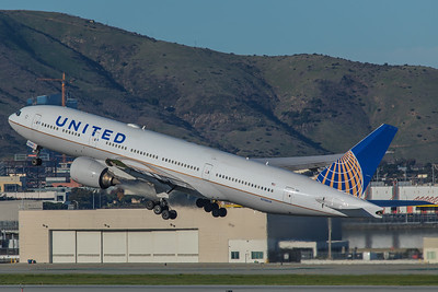 United Airlines Boeing 777-222(ER) N788UA 2-4-18