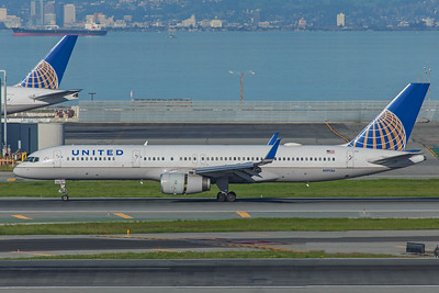 United Airlines Boeing 757-224 N19136 2-4-18