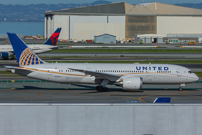United Airlines Boeing 787-8 N30913 2-4-18