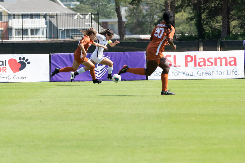 Midfielder Laramie Hall attacking the Longhorns' outside defense. Sept 29, 2019. (Dylan Connell | Collegian Media Group)