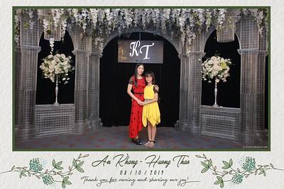 KT-wedding-instant-print-photo-booth-Chup-anh-in-hinh-lay-ngay-Tiec-cuoi-tai-Ha-Noi-Photobooth-Hanoi-WefieBox-Photobooth-Vietnam-060