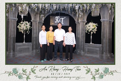 KT-wedding-instant-print-photo-booth-Chup-anh-in-hinh-lay-ngay-Tiec-cuoi-tai-Ha-Noi-Photobooth-Hanoi-WefieBox-Photobooth-Vietnam-077