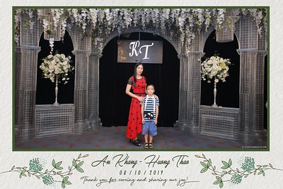KT-wedding-instant-print-photo-booth-Chup-anh-in-hinh-lay-ngay-Tiec-cuoi-tai-Ha-Noi-Photobooth-Hanoi-WefieBox-Photobooth-Vietnam-059