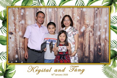 Krystal-Tung-wedding-instant-print-photo-booth-in-Ho-Chi-Minh-City-Chup-hinh-lay-lien-Tiec-cuoi-WefieBox-Photobooth-Vietnam-099