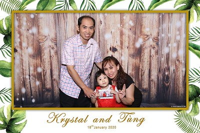 Krystal-Tung-wedding-instant-print-photo-booth-in-Ho-Chi-Minh-City-Chup-hinh-lay-lien-Tiec-cuoi-WefieBox-Photobooth-Vietnam-086