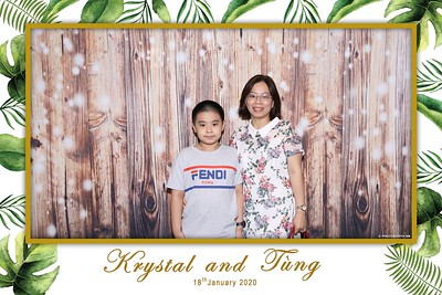 Krystal-Tung-wedding-instant-print-photo-booth-in-Ho-Chi-Minh-City-Chup-hinh-lay-lien-Tiec-cuoi-WefieBox-Photobooth-Vietnam-112