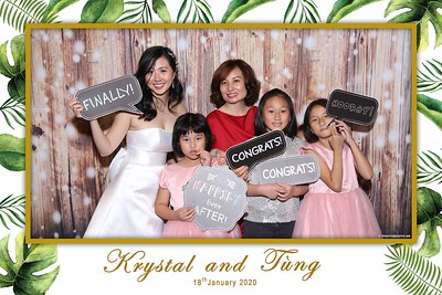 Krystal-Tung-wedding-instant-print-photo-booth-in-Ho-Chi-Minh-City-Chup-hinh-lay-lien-Tiec-cuoi-WefieBox-Photobooth-Vietnam-096