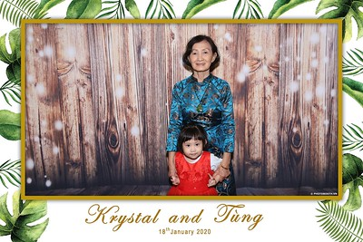 Krystal-Tung-wedding-instant-print-photo-booth-in-Ho-Chi-Minh-City-Chup-hinh-lay-lien-Tiec-cuoi-WefieBox-Photobooth-Vietnam-098