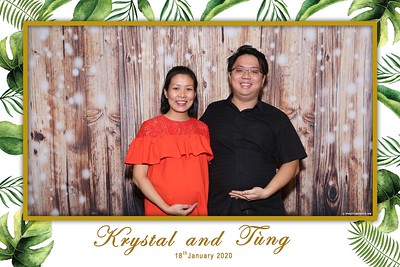 Krystal-Tung-wedding-instant-print-photo-booth-in-Ho-Chi-Minh-City-Chup-hinh-lay-lien-Tiec-cuoi-WefieBox-Photobooth-Vietnam-084