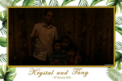 Krystal-Tung-wedding-instant-print-photo-booth-in-Ho-Chi-Minh-City-Chup-hinh-lay-lien-Tiec-cuoi-WefieBox-Photobooth-Vietnam-085