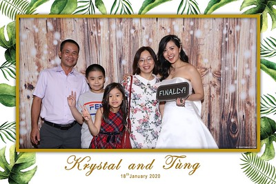 Krystal-Tung-wedding-instant-print-photo-booth-in-Ho-Chi-Minh-City-Chup-hinh-lay-lien-Tiec-cuoi-WefieBox-Photobooth-Vietnam-094