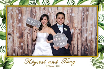 Krystal-Tung-wedding-instant-print-photo-booth-in-Ho-Chi-Minh-City-Chup-hinh-lay-lien-Tiec-cuoi-WefieBox-Photobooth-Vietnam-093