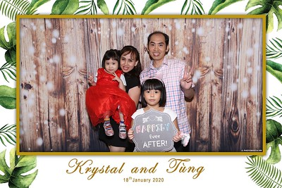 Krystal-Tung-wedding-instant-print-photo-booth-in-Ho-Chi-Minh-City-Chup-hinh-lay-lien-Tiec-cuoi-WefieBox-Photobooth-Vietnam-082