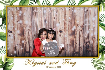 Krystal-Tung-wedding-instant-print-photo-booth-in-Ho-Chi-Minh-City-Chup-hinh-lay-lien-Tiec-cuoi-WefieBox-Photobooth-Vietnam-079