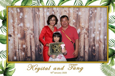 Krystal-Tung-wedding-instant-print-photo-booth-in-Ho-Chi-Minh-City-Chup-hinh-lay-lien-Tiec-cuoi-WefieBox-Photobooth-Vietnam-102