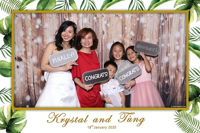 Krystal-Tung-wedding-instant-print-photo-booth-in-Ho-Chi-Minh-City-Chup-hinh-lay-lien-Tiec-cuoi-WefieBox-Photobooth-Vietnam-097