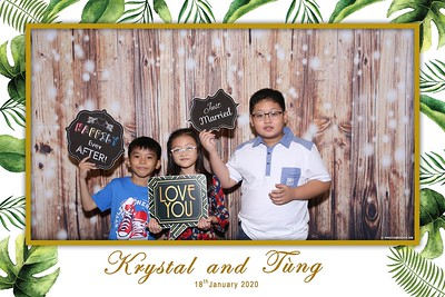 Krystal-Tung-wedding-instant-print-photo-booth-in-Ho-Chi-Minh-City-Chup-hinh-lay-lien-Tiec-cuoi-WefieBox-Photobooth-Vietnam-103