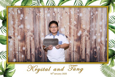 Krystal-Tung-wedding-instant-print-photo-booth-in-Ho-Chi-Minh-City-Chup-hinh-lay-lien-Tiec-cuoi-WefieBox-Photobooth-Vietnam-107