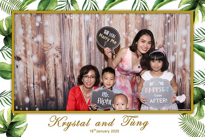 Krystal-Tung-wedding-instant-print-photo-booth-in-Ho-Chi-Minh-City-Chup-hinh-lay-lien-Tiec-cuoi-WefieBox-Photobooth-Vietnam-081