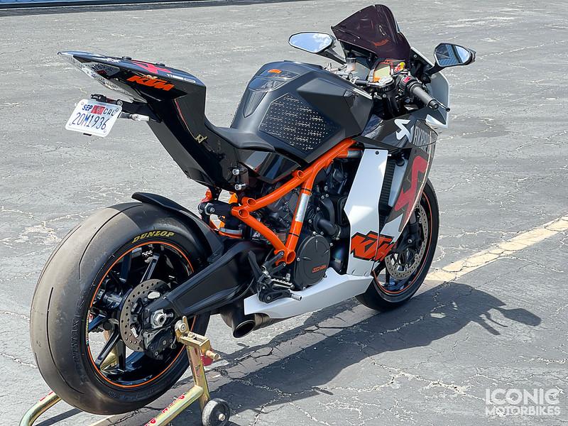 KTM RC8R Akrapovic -  (2)