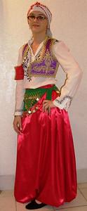 Medina Omanović is KUD SEVDAH member since 2001. She was born in Phoenix, Arizona.