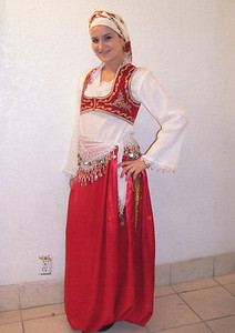 Aida Begović is KUD SEVDAH member since 2002. She was born in Landsberg, Germany.