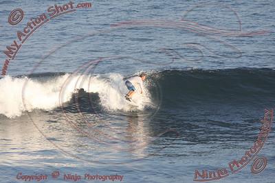 2008_05_31 - Surfing Uluwatu, BALI - Kurt