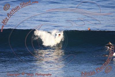 2008_06_02 - Surfing Uluwatu, BALI - Kurt