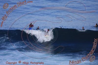 2008_06_06 - Surfing Uluwatu, BALI - Kurt