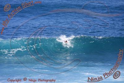2008_06_14 - Surfing Uluwatu, BALI - Kurt