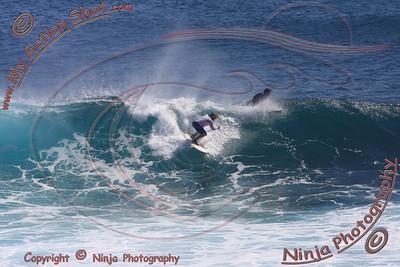 2008_07_08 - Surfing Uluwatu, BALI - Kurt