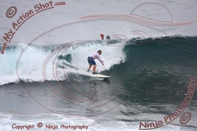 2008_07_12 - Surfing Uluwatu, BALI - Kurt