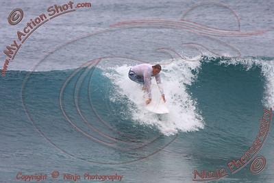 <font color=#F75D59>2008_10_15 - Surfing Pipeline, North Shore (OAHU) - Kurt</font>