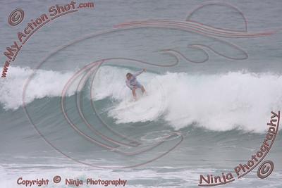 2008_10_30 - Surfing Pipeline, North Shore (OAHU) - Kurt