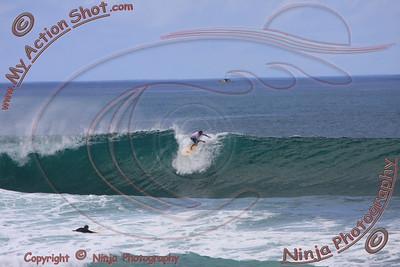 <font color=#F75D59>2008_11_14 - Surfing Jocko's, North Shore (OAHU) - Kurt</font>