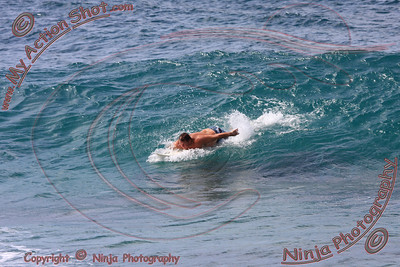 2009_09_30 - Surfing Logs, North Shore (OAHU) - Kurt