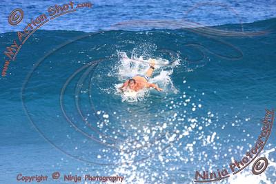2009_10_01 - Surfing Logs, North Shore (OAHU) - Kurt