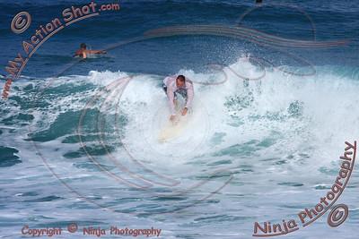 <font color=#F75D59> 2009_11_07 - Surfing Ehukai, North Shore (OAHU) - Kurt</font>