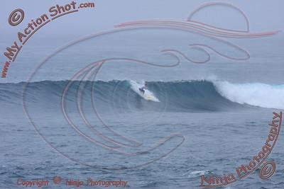 2010_11_18 - Surfing Sunset, North Shore (OAHU) - Kurt