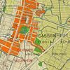 F3898<br /> Kaart van het gemeentelijk uitbreidingsplan van Sassenheim uit 1939/40. Op deze kaart is goed te zien dat de nieuwe omleidingsweg, die de Hoofdstraat met de Beukenlaan moest gaan verbinden, een heel ander verloop zou krijgen dan uiteindelijk in 1950/51 is gerealiseerd. Het gedeelte waar het pijltje naar wijst was het Homanslaantje. Dat was het verbindingspad tussen de Hoofdstraat en de boerderij van N.J. Homan, later van P. Langeveld. Het lag tussen Hoofdstraat 180 en villa Zonnehof, die in 1951 werd gesloopt voor de aanleg van de Parklaan.