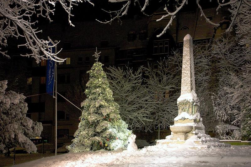 Weihnachtsobelisk2.jpg