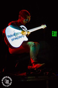 Kaki King at The Catalyst Club