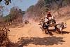Arrivée de Pa-O sur le site antique de Kakku dans la perspective d'un pwe (rassemblement festif) donné à l'occasion de la pleine lune de février. Etat Shan/Birmanie (Myanmar)