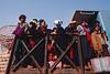 Départ en train de Pa-O après le pwe (rassemblement festif) donné sur le site antique de Kakku à l'occasion de la pleine lune de février. Etat Shan/Birmanie (Myanmar)